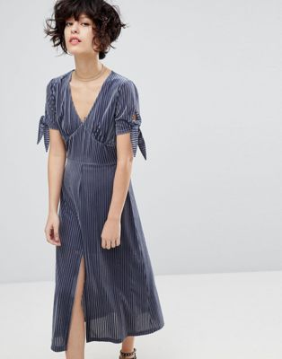 J.O.A Midi Dress With Split Front In Delicate Pleated Velvet