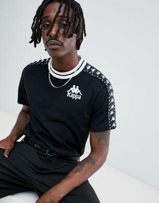 Kappa - T-shirt nera con fettuccia e ricamo sul petto con logo
