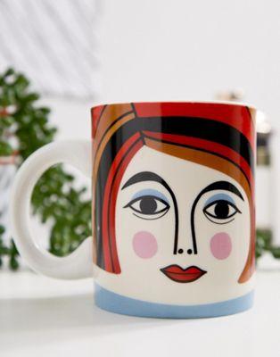 Kitsch Kitchen – Mrs. Cooper – Mugg i keramik