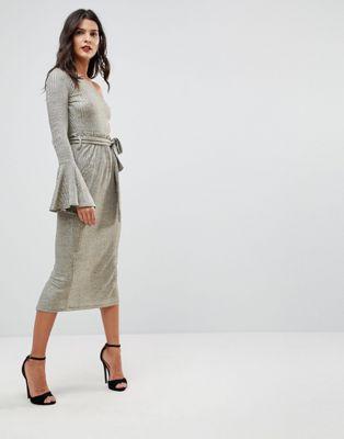 Image 1 sur Lavish Alice - Robe mi-longue asymétrique en maille côtelée avec taille froncée