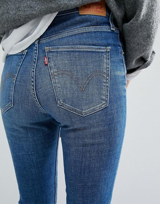 hochwertiges Design ff9f8 03b07 Levi's – Mile – Superenge Jeans mit hoher Taille