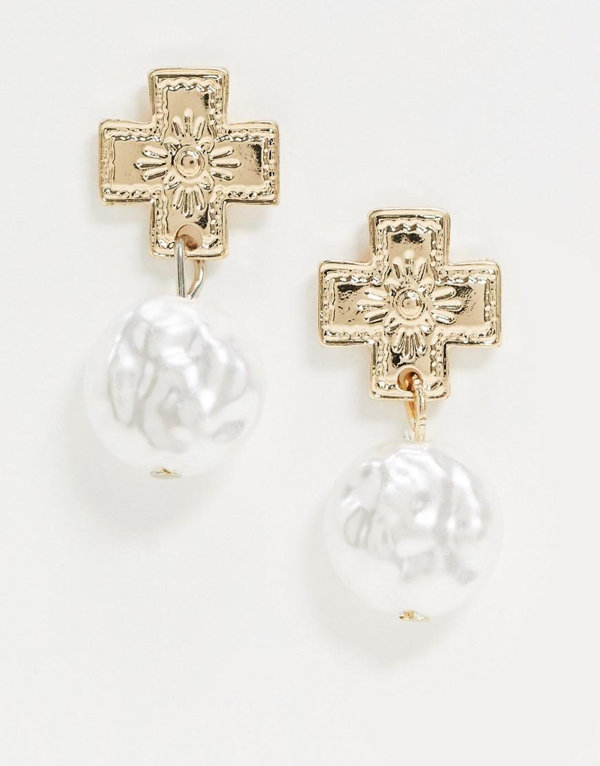liars & lovers -  – Goldene Ohrringe mit Perlenanhänger