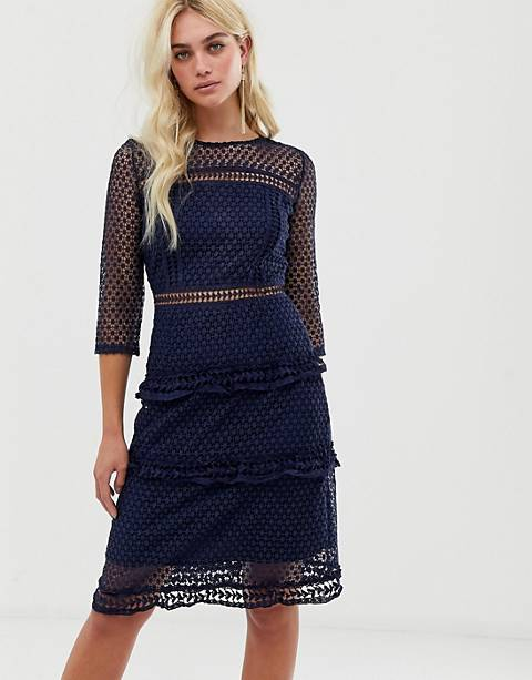 Liquorish layered lace 3/4 sleeve midi dress