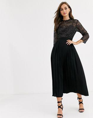 Little Mistress – Plissiertes Midaxi-Kleid mit Spitze in Schwarz