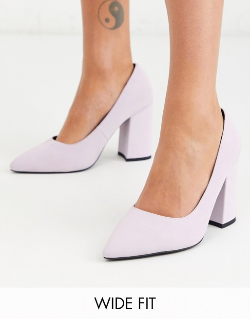 London Rebel – Spitze schwarze Schuhe mit Blockabsatz, weite Passform