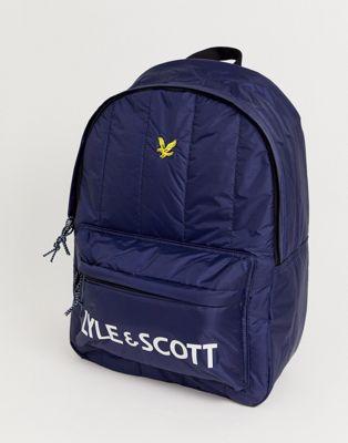 Marineblå rygsæk med stort logo fra Lyle & Scott