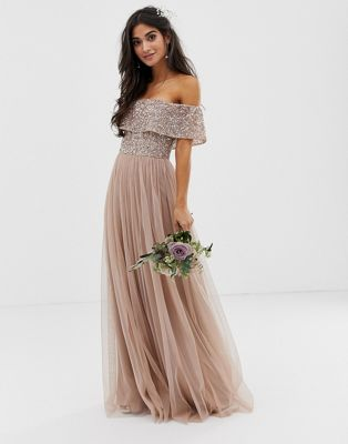 Maya Petite – Bridesmaid – Maxi-Tüllkleid mit Carmen-Ausschnitt und farblich passenden, feinen Pailletten in Braungrau/Blush