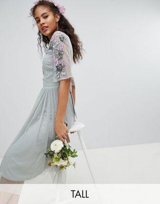 Maya Tall - Robe mi-longue avec manches ornementées en tulle