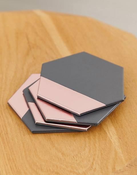 Mimo by Premier – set med fyra grå och rpsa hexagonala underlägg med lädereffekt