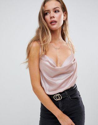 Missguided – Hautenger Body mit Wasserfallauschnitt in Farbe Blush