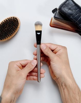 MMUK Foundation Brush