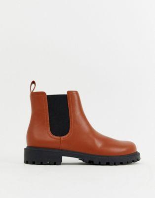 Bild 1 von Monki – Chelsea-Stiefel aus hellbraunem Kunstleder