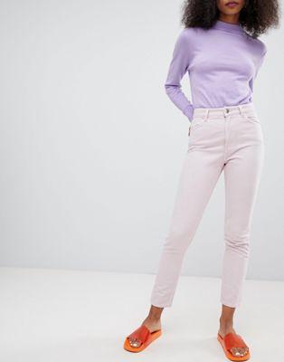 """Monki – Jeans i """"mom jeans""""-modell"""