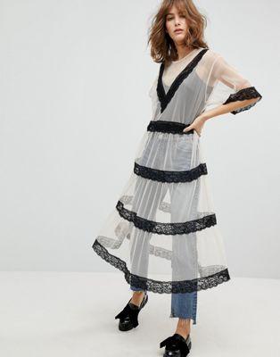 Monki - Robe blouse mi-longue avec empiècement en dentelle