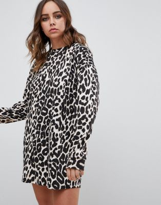 Afbeelding 1 van Motel - T-shirtjurk met lange mouwen en luipaardpatroon