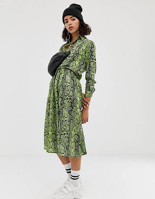 Na-kd neon snake print skirt in green
