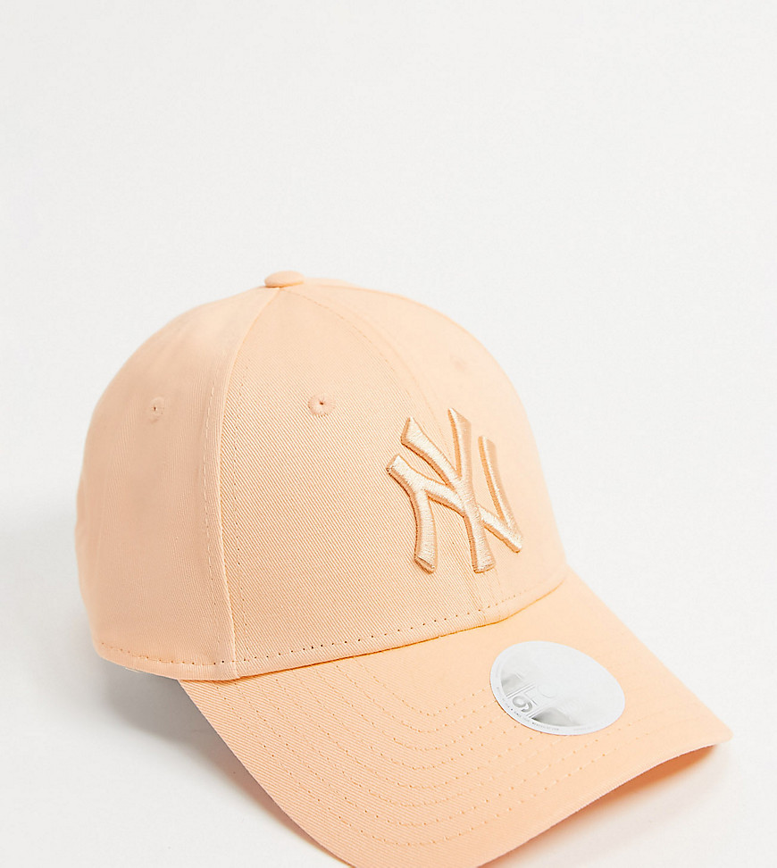 New Era - 9Forty - Ferskenfarvet kasket med tonet NY-logo - Kun hos ASOS-Neutral