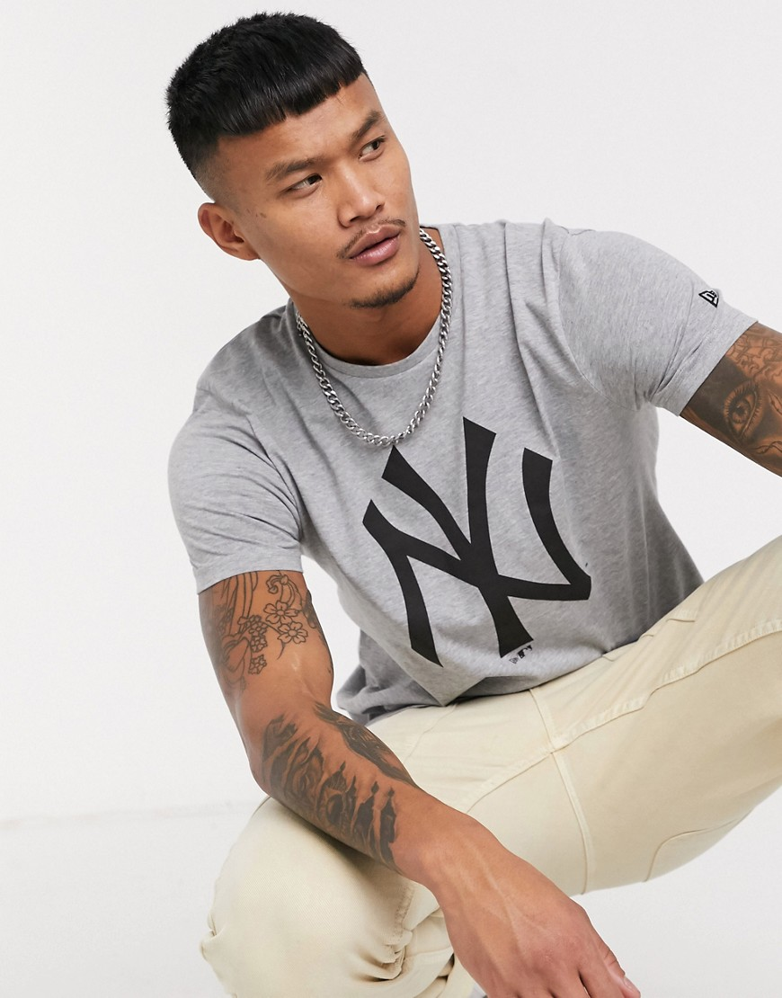 New Era - Grå t-shirt med MLB New York Yankees-logo
