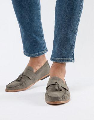 New Look Faux Suede Tassel Loafer In Dark Gray