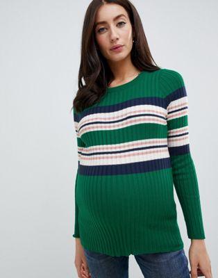 New Look Maternity – Gerippter, grüner Pullover mit Streifen