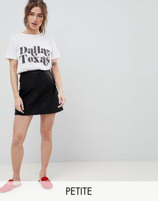 New Look Petite – Svart, a-linjeformad minikjol i läderimitation