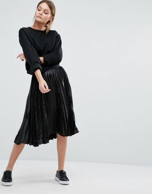 Image 1 of New Look Pleated Metallic Midi Skirt