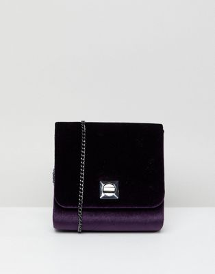 New Look Velvet Boxy Chain Shoulder Bag