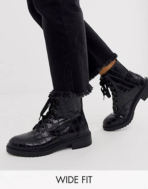New Look wide fit lace up flat hiker boot in black