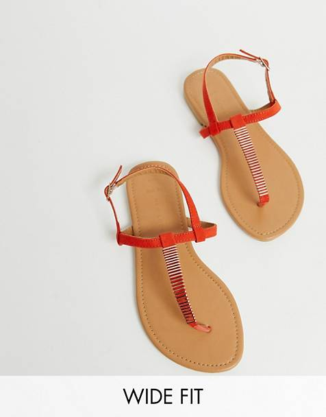 ee7d36ca3 New Look Wide Fit toepost flat sandals in red