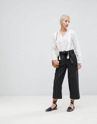 New Look Wide Pinstripe Tie Waist Crop Pants