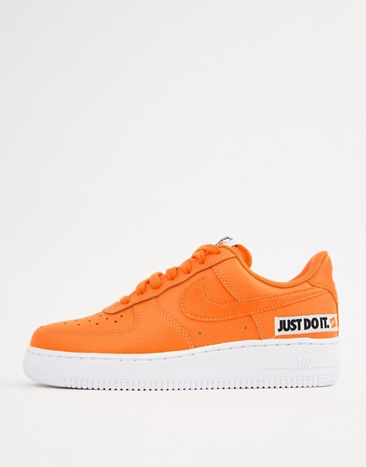 Nike - Air Force 1'07 Lv8 Jdi - Baskets avec logo Just Do It - Orange