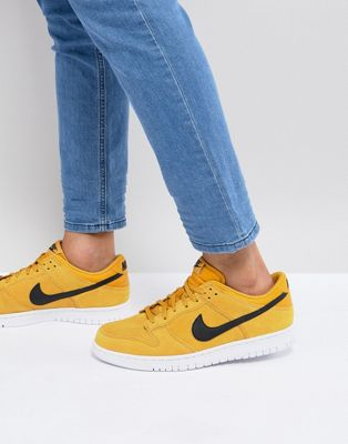 Nike Dunk Low Trainers In Yellow 904234-700
