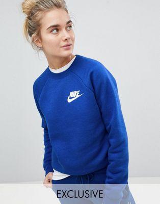Nike – Rally – Blaues Sweatshirt, exklusiv bei ASOS