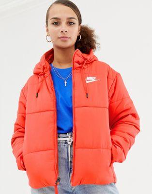Nike – Röd vadderad jacka med huva