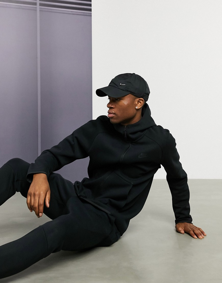 Nike – Tech – Schwarze Kapuzenjacke Aus Fleece, 928483 010 by Asos