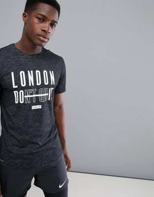 Bild 1 av Nike Training – London Do It – Svartmelerad t-shirt AQ1063-010