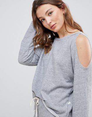 NYTT Elizabeth Raw Edge Cold Shoulder Top