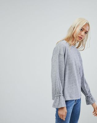 NYTT Flared Sleeve Top