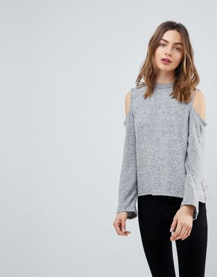 NYTT Vivian Cold Shoulder Top