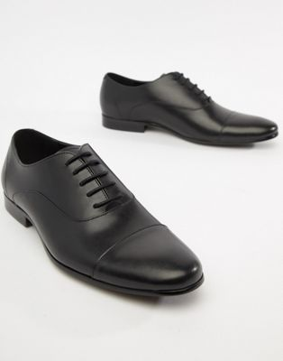 Office Flounder toe cap oxford shoes in black leather