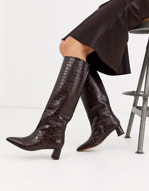 & Other Stories - brune knæhøje støvler i læder og imiteret krokodilleskind