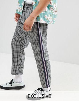 Pantalones capri a cuadros con raya lateral de Milk It
