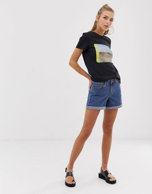 Pantalones cortos vaqueros con bajos con vuelta de Noisy May