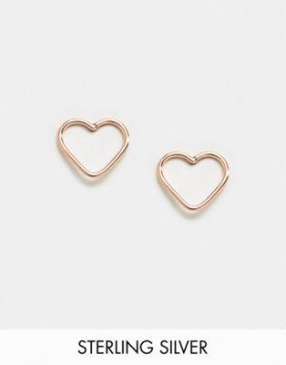 Pendientes de botón en forma de corazón con abertura en dorado rosa de Kingsley Ryan