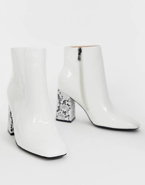 Public Desire – Vesper – Weiße Ankle-Boots mit eckiger Zehenkappe und Absatz mit Schlangenmuster