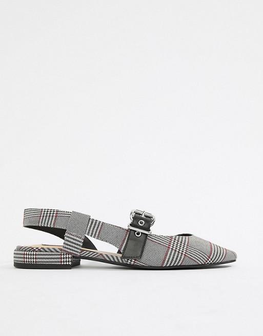 Schuh mit Pull grau amp;Bear Fersenriemchen karierter Grau wI6nIqYtr
