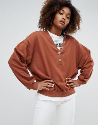 Pull&bear v neck with button detail sweat in red
