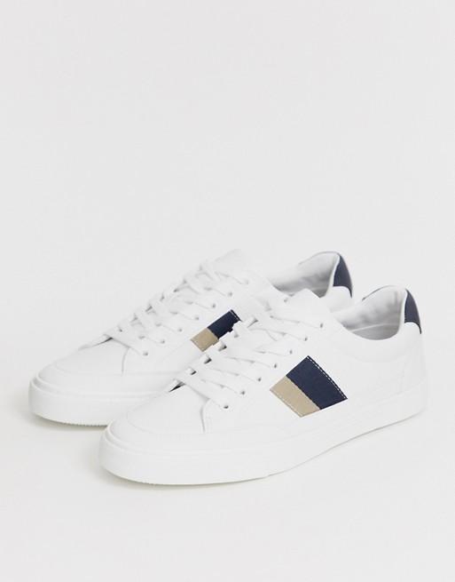 Pull&Bear – Weiße Sneaker mit doppeltem Seitenstreifen