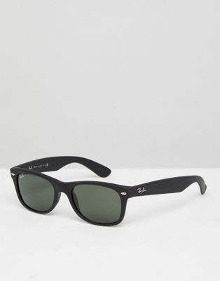 Ray-Ban 0RB2132 Wayfarer Sunglasses in Black 52mm