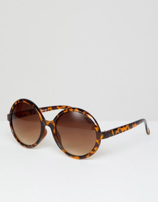 29179e43a8ced Reclaimed Vintage Inspired - Lunettes de soleil rondes motif écaille de tortue  exclusivité ASOS